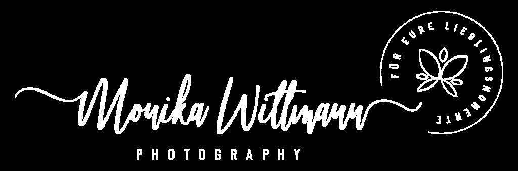 Logo Weiß Monika Wittmann Hochzeitsfotografin Graz